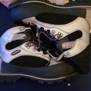 Mens kayland boots size 12